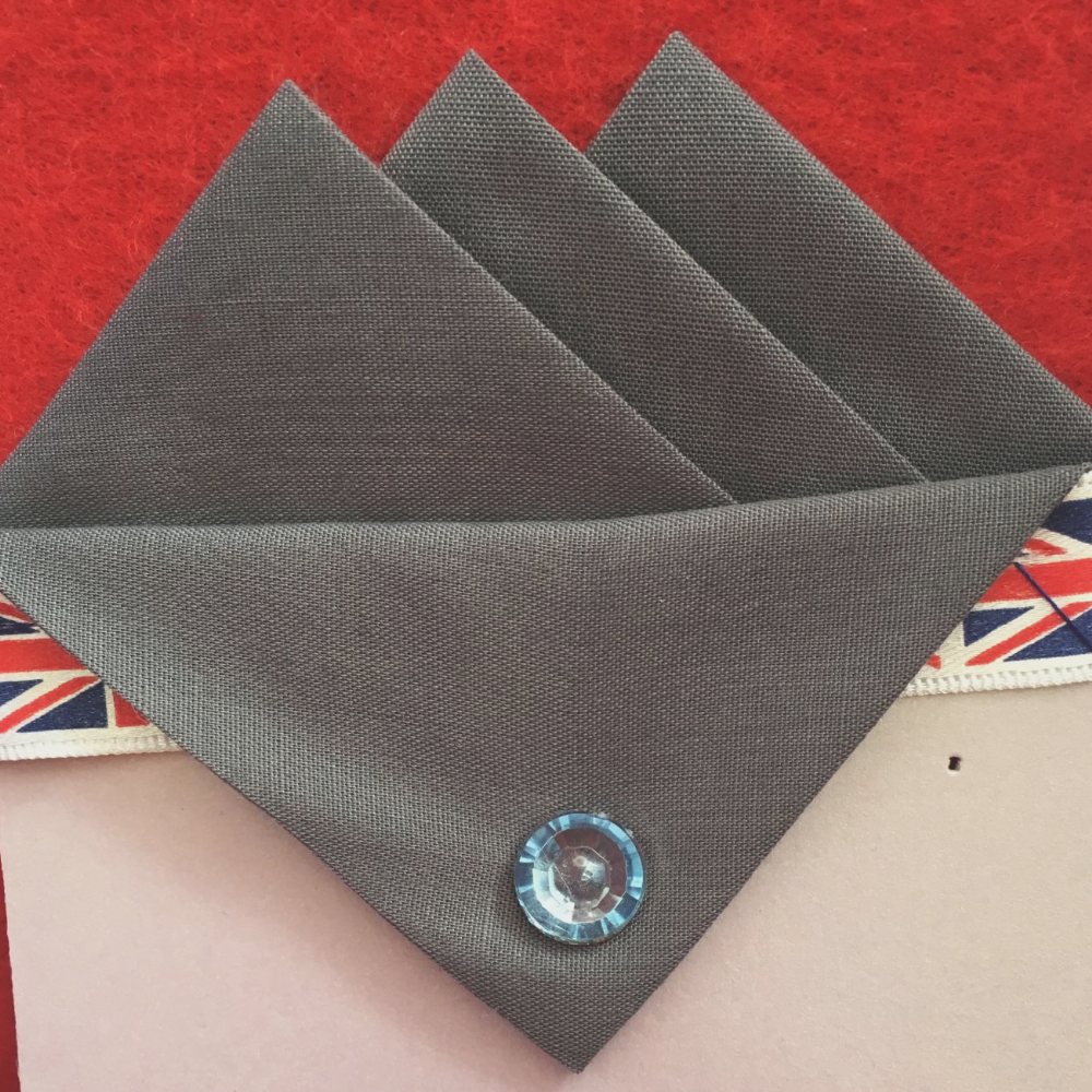 Grey (Dark Grey) Three Point Pocket Hankie & Pin
